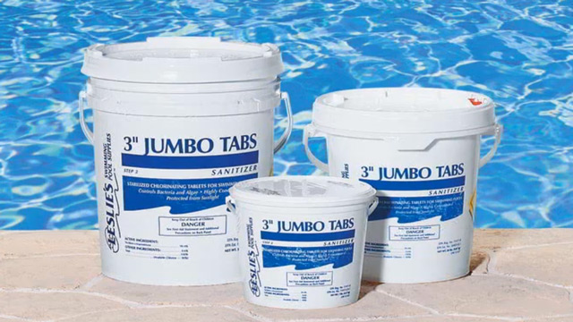 3 reasons why pool chemicals near your home is a bad idea - Dangers of chlorine in swimming pools ...