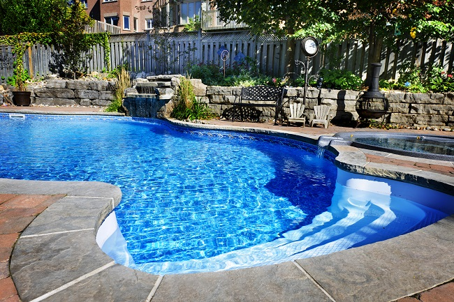 Why Invest in Weekly Pool Service?