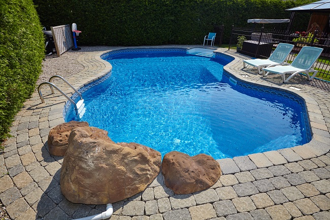 When Your Pool Needs A Professional Deep Cleaning