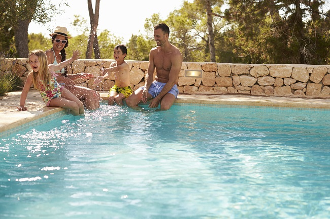 3 Main Reasons to Get Pool Service