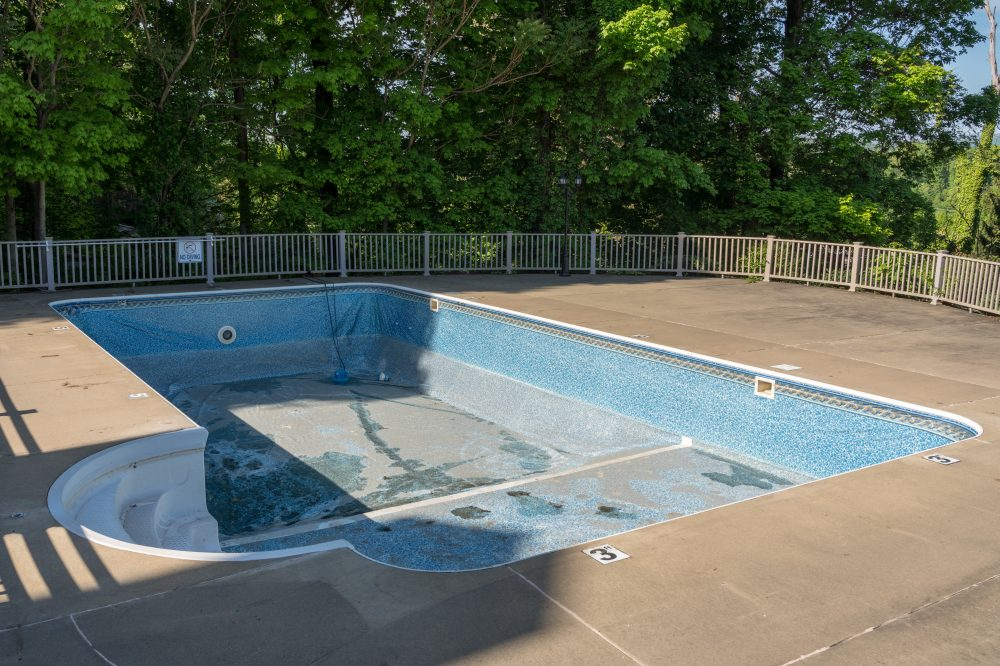 Reasons Pool Repair Should Be Done by Professionals